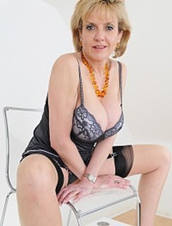 lady-sonia-sexy-lingerie